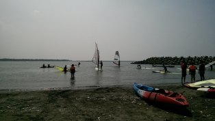 %e5%af%a6%e5%9c%b0%e6%b5%b7%e4%b8%8a%e6%93%8d%e4%bd%9c%e6%95%99%e5%ad%b8windsurfing-experience-lesson-1024x579